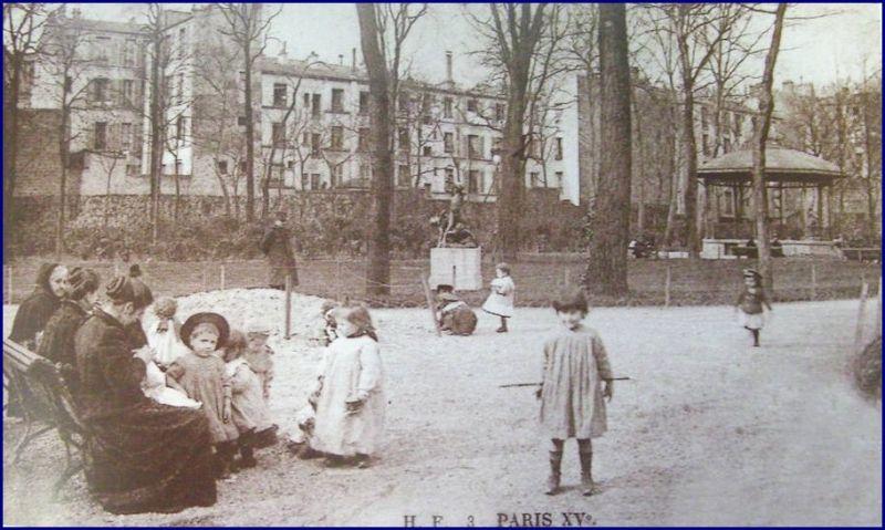 lesquarevioletvers1910.jpg