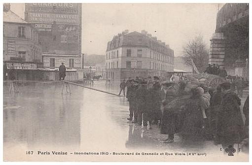 rue-des-usines-2