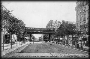 Le pont du chemin de fer de la Petite-Ceinture...