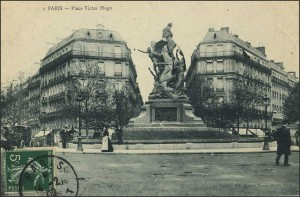Le monument à Victor Hugo; fondu par les Allemands sous l'Occupation...