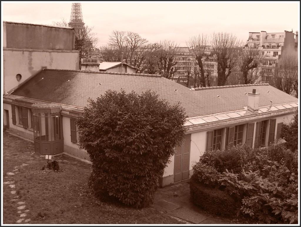 La demeure parisienne d'un grand écrivain (1). snb19774