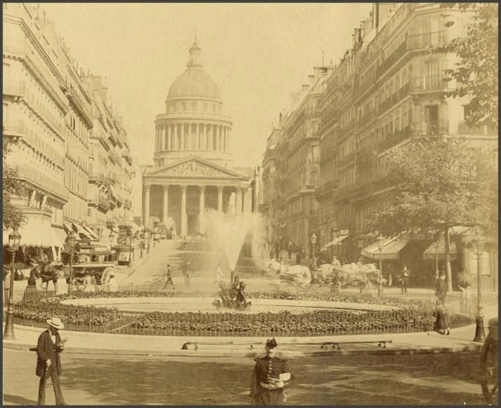 Devant la rue Soufflot... 1880