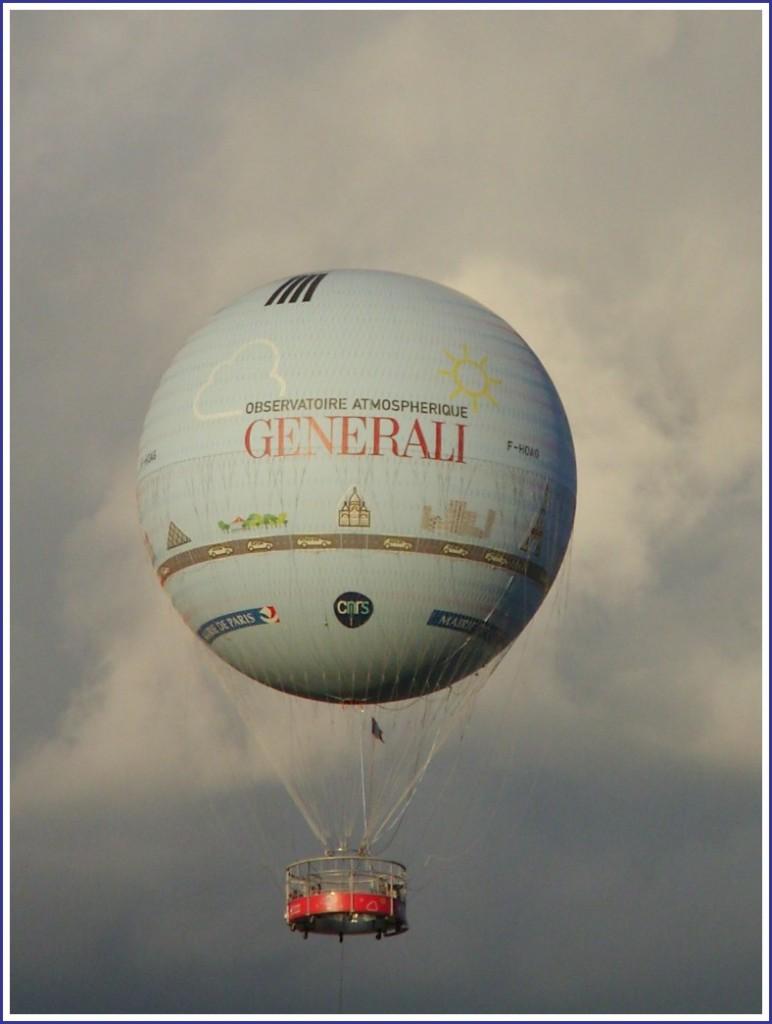 Le ballon du parc André-Citroen (15ème). snb10167
