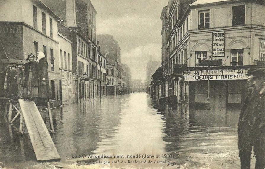 La rue Viala sous les eaux... rue-viala-inonde-a-gauche-le-faisan-dore