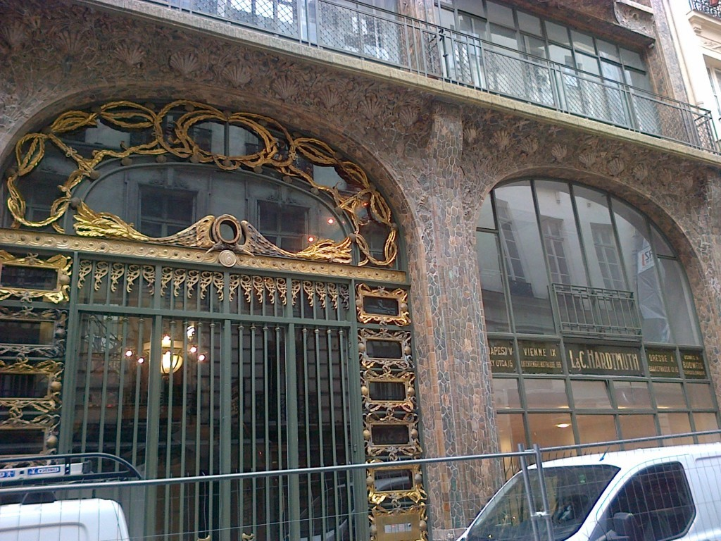 Un immeuble unique ! img-20130911-00221
