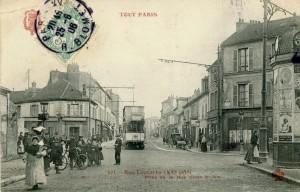 La rue Lecourbe à son croisement avec la rue de la Croix-Nivert.