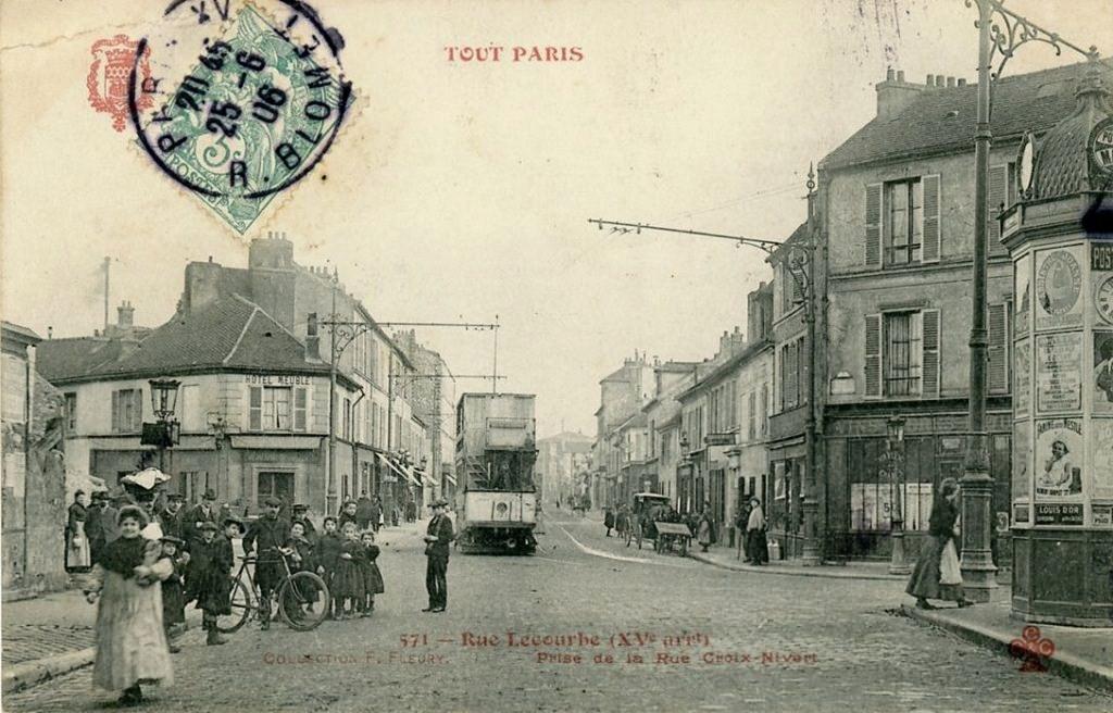 Un coin du 15ème arrondissement. 1335423992-tout-paris-rue-lecourbe
