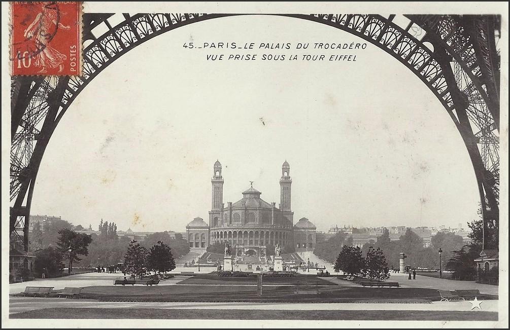 Quelle perspective ! 1370851690-carte-postale-paris-trocadero