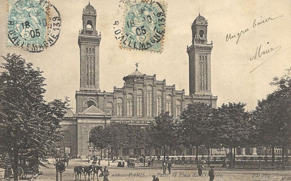 La Place du Trocadéro avec l'ancien palais... 1375421430-trocade-ro-station-2-dc-233